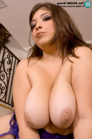 Cacilie bbw women classified ads Madison